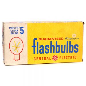 General Electric no5 Clear Flash Bulbs - front