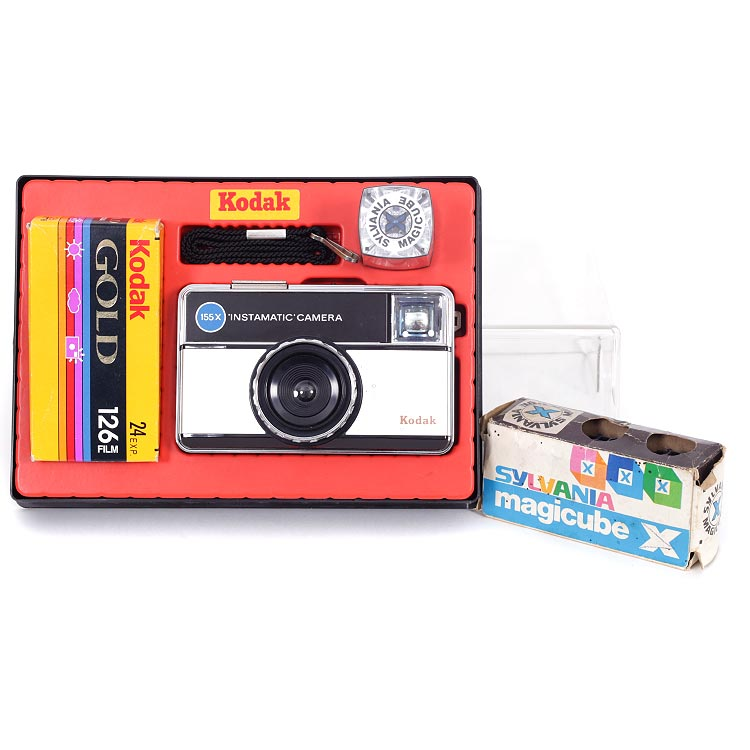 Kodak 155X Instamatic Camera Outfit with Extra Flashcubes